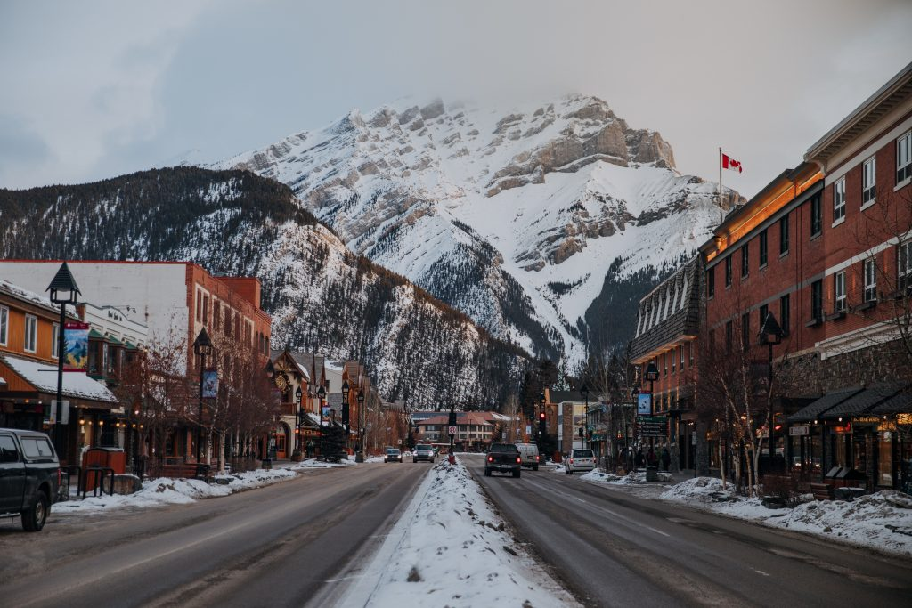 The Ultimate Banff Winter Guide- Banff Ave in the winter